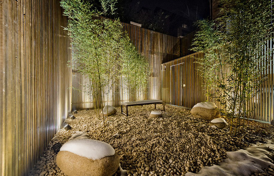 018-Sunken-Courtyard