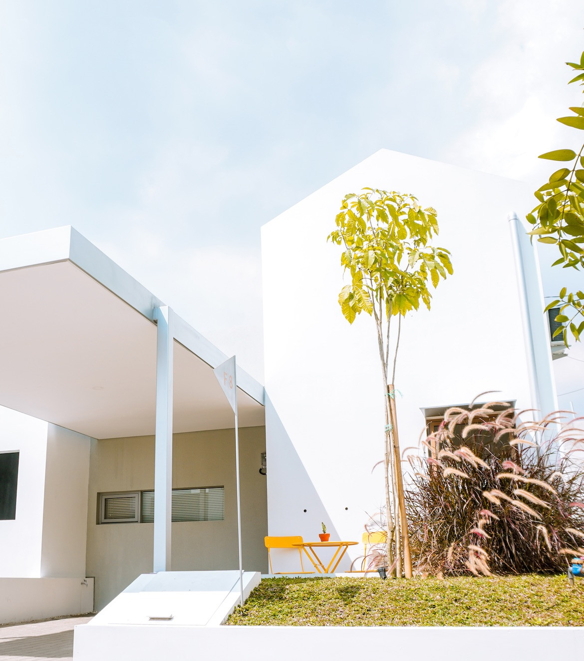 The white exterior of the Eureka House by Luwist Spatial.