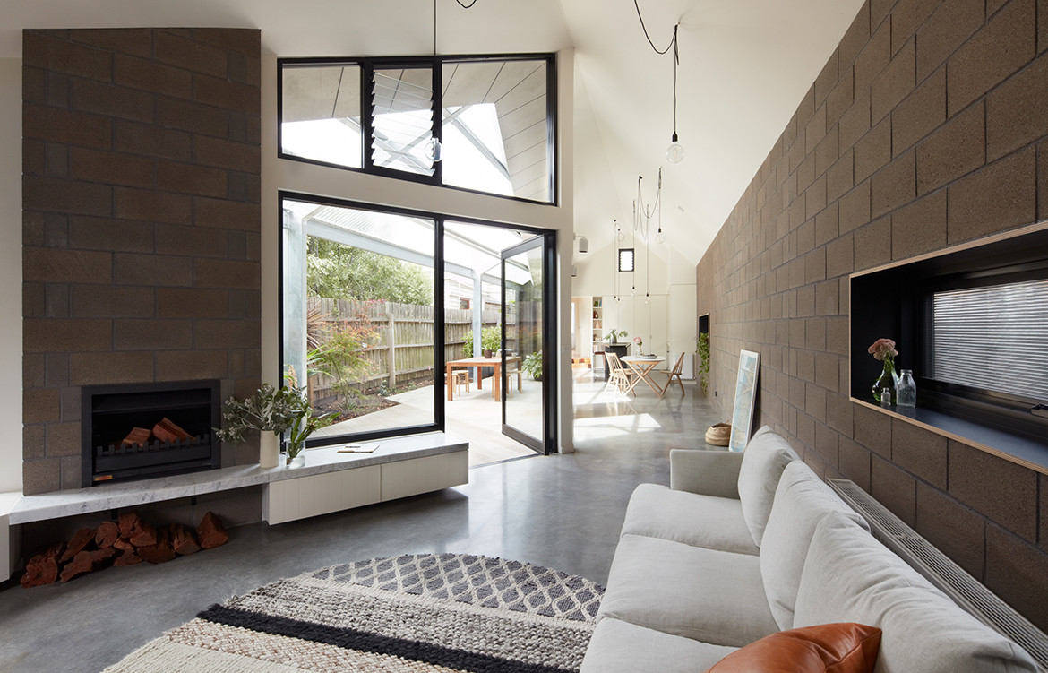 Courtyard House by Sarah Lake Architects