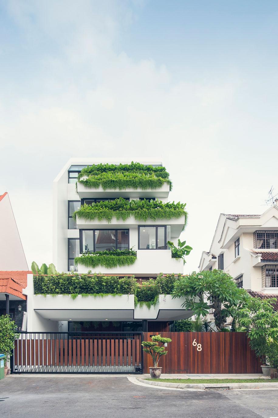 1-front-facade