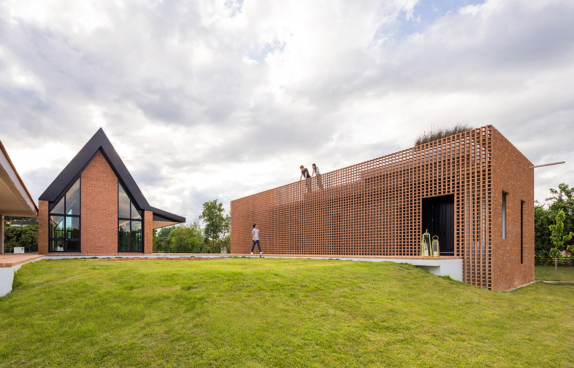 Foothill House by SS:AR   Site Specific: Architecture Research   holiday house in Chiang Mai   Thai architecture   indoor-outdoor living   interior architecture   perforated brick   brick detailing   brickwork   brick house