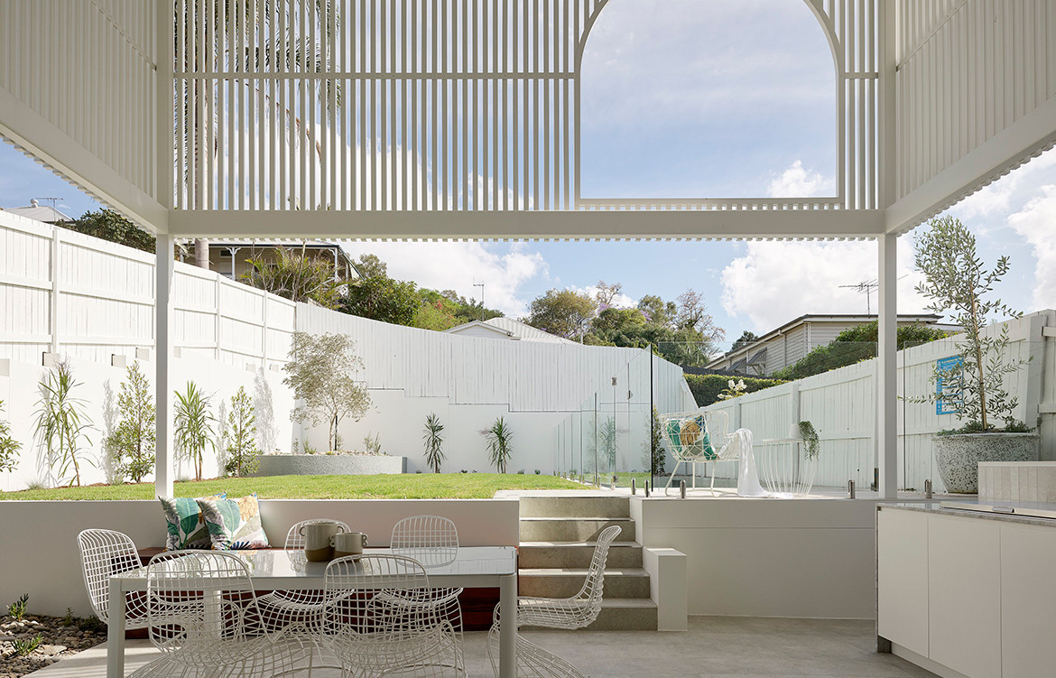 Auchenflower House by DAH Architecture is the definition of contemporary Australian outdoor living