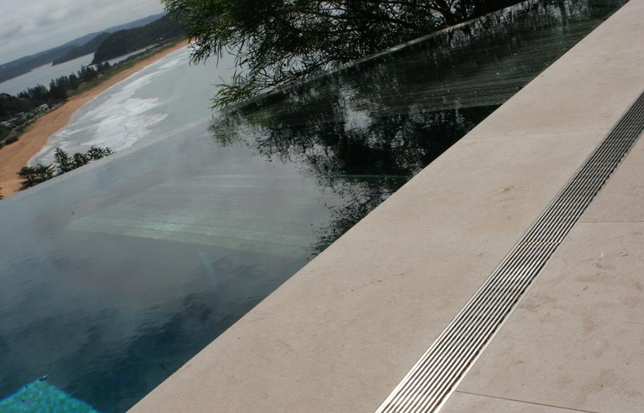 19159916_65a_style_pool_edge