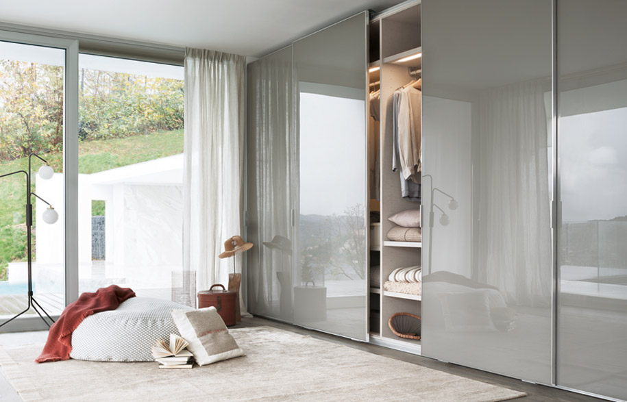 19159919_rogerseller_living_wardrobes_banner_hero4