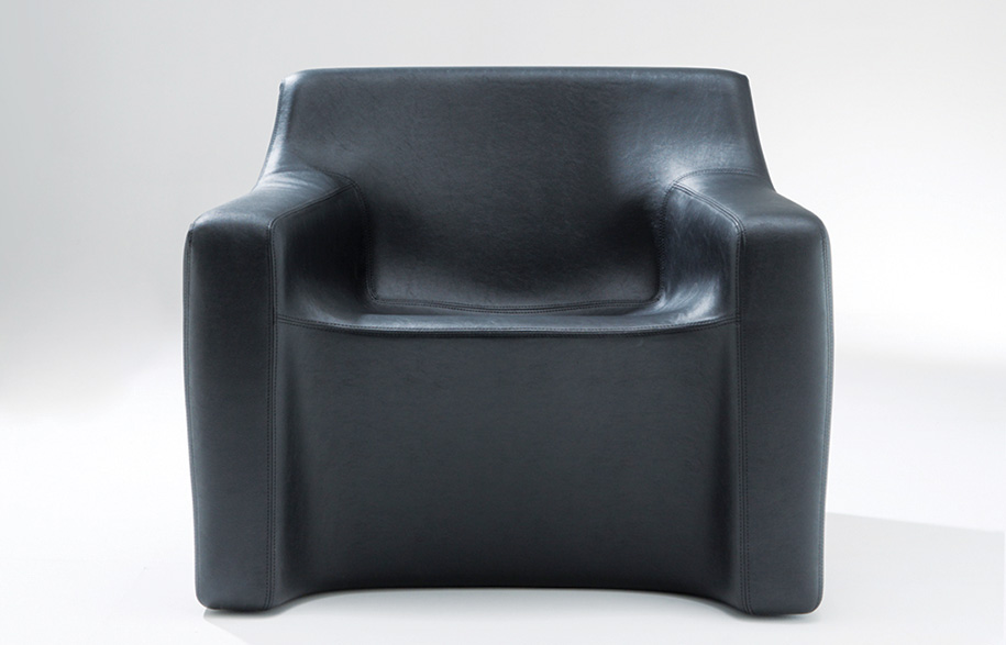 2._GELAVA_chair_front-copy