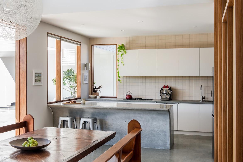 Curved kitchen bench in the Northgate queenslander