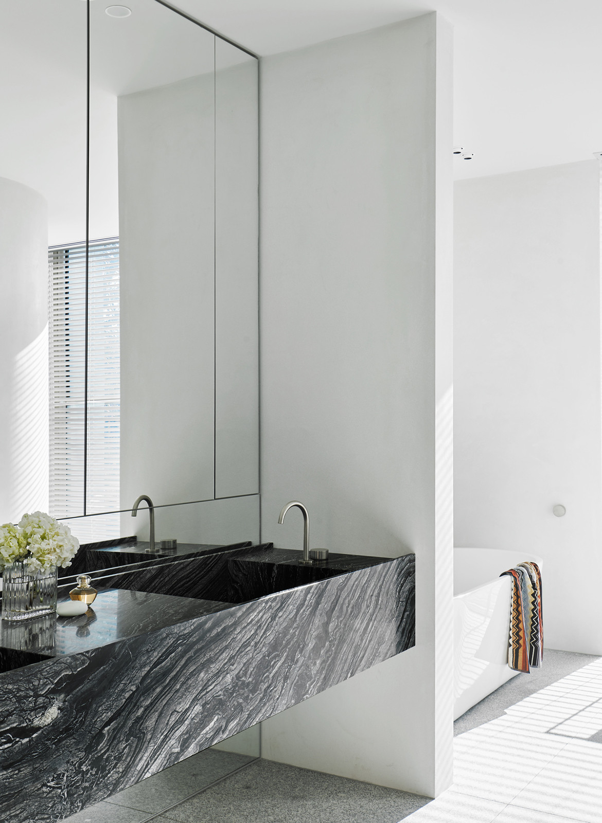 SLD Residence DavidovArchitects CC Veeral Patel bathroom