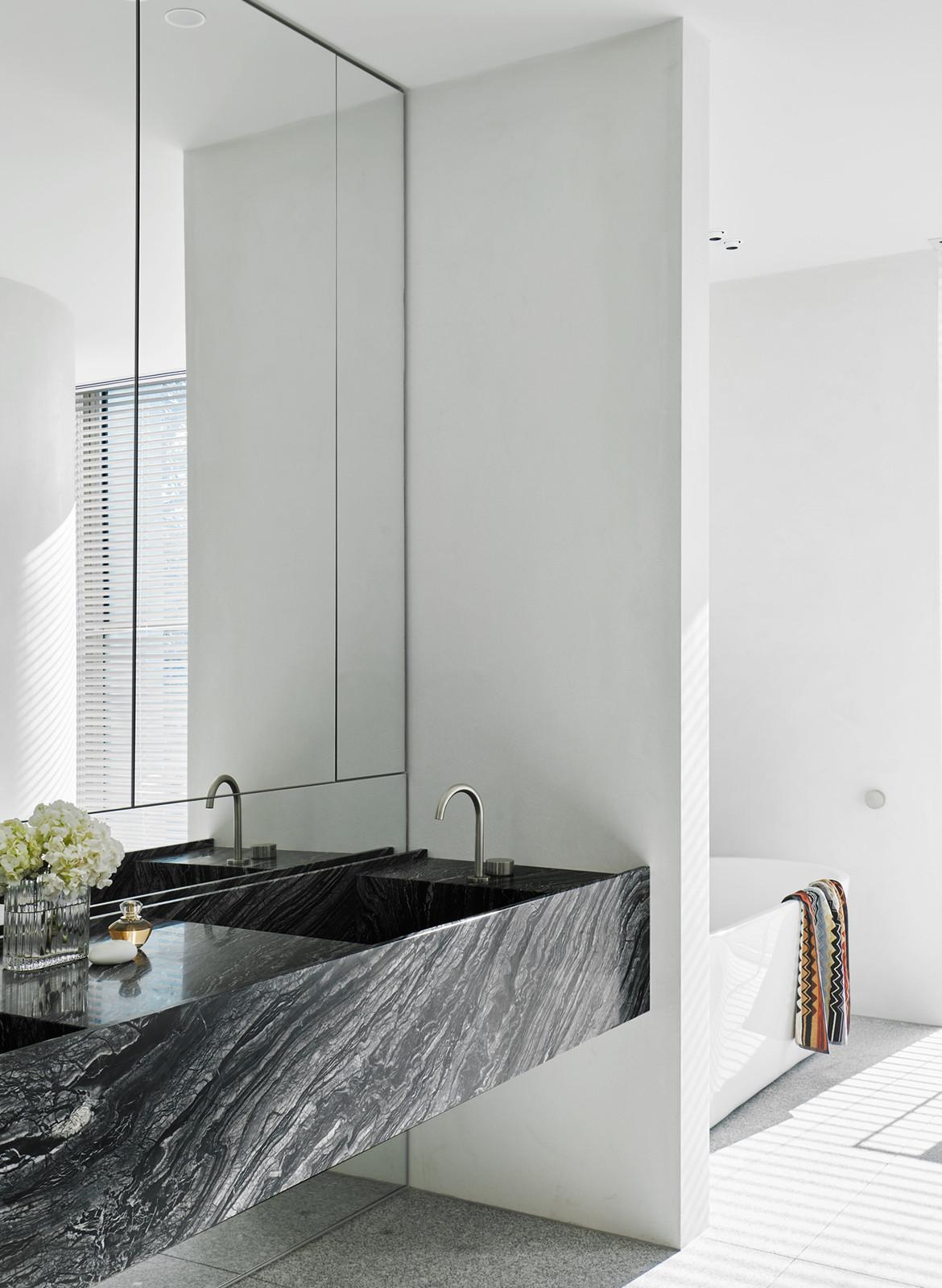 SLD Residence DavidovArchitects CC Veeral Patel bathroom