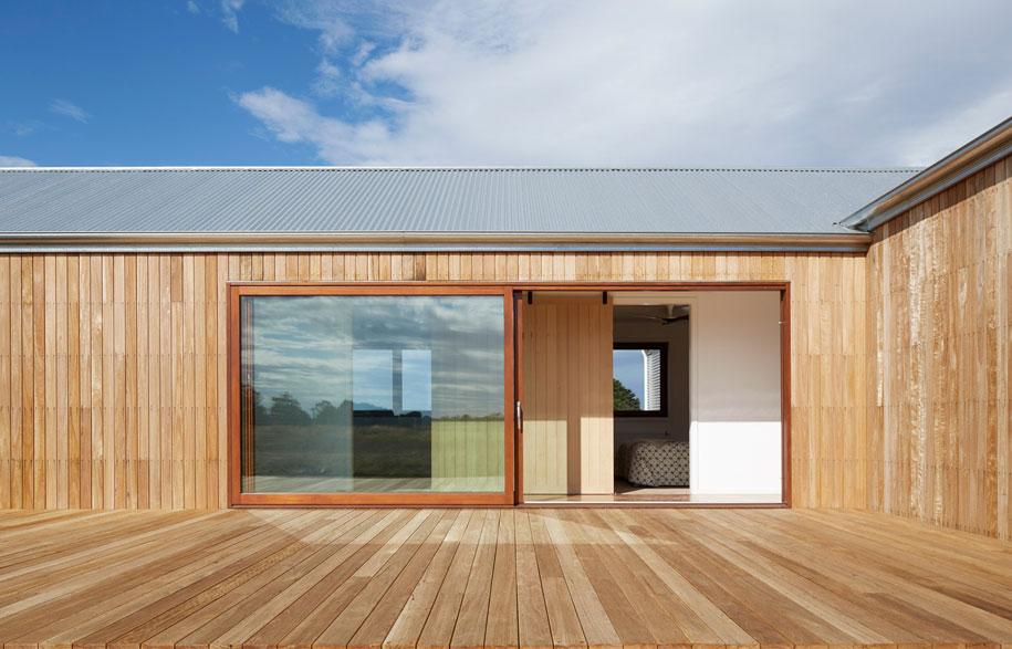 700-haus_GLOW-design-group_Australia_Peter-Clarke_dezeen_1568_5