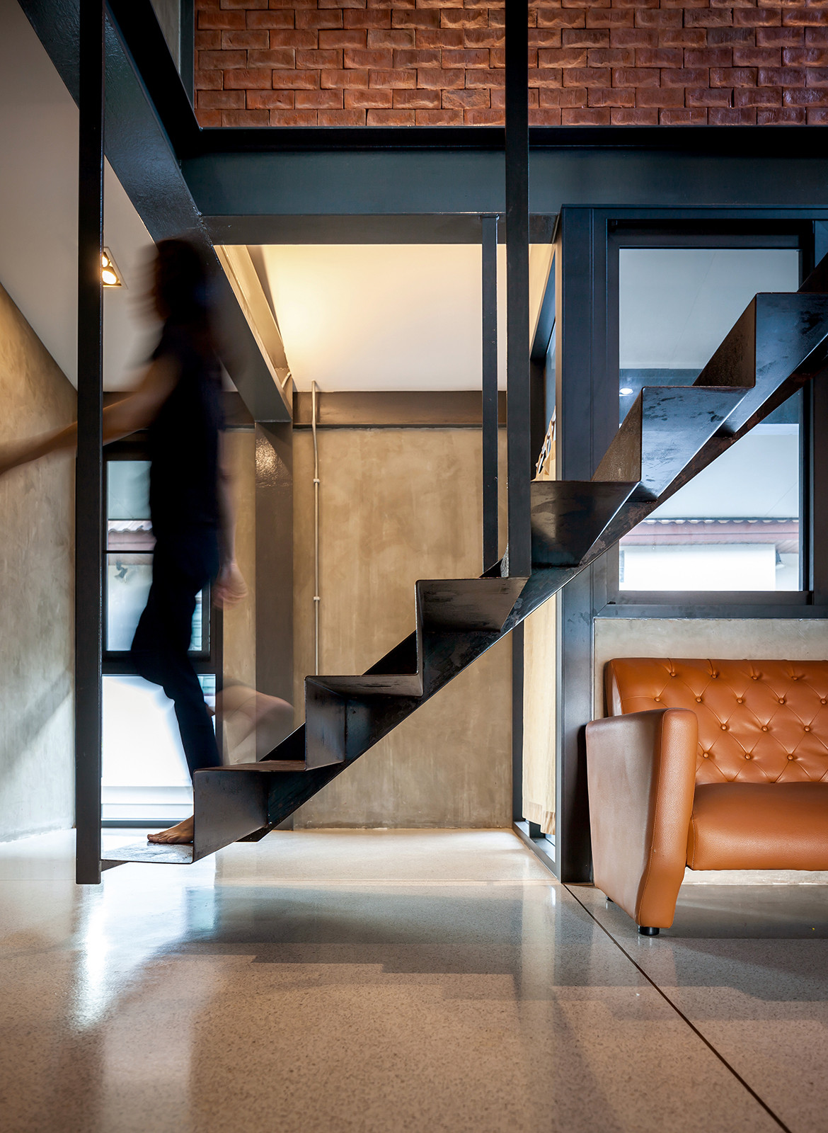 713 House Junsekino Architect and Design CC Spaceshift Studio floating stairs