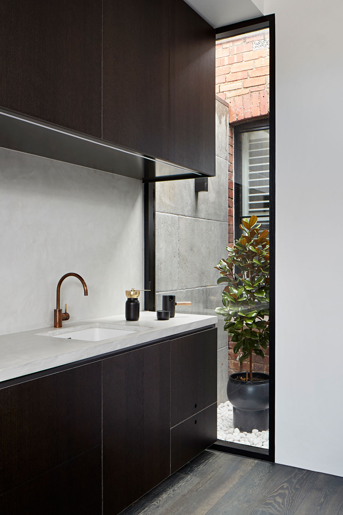 Albert Park House Whiting Architects cc Shannon McGrath kitchen