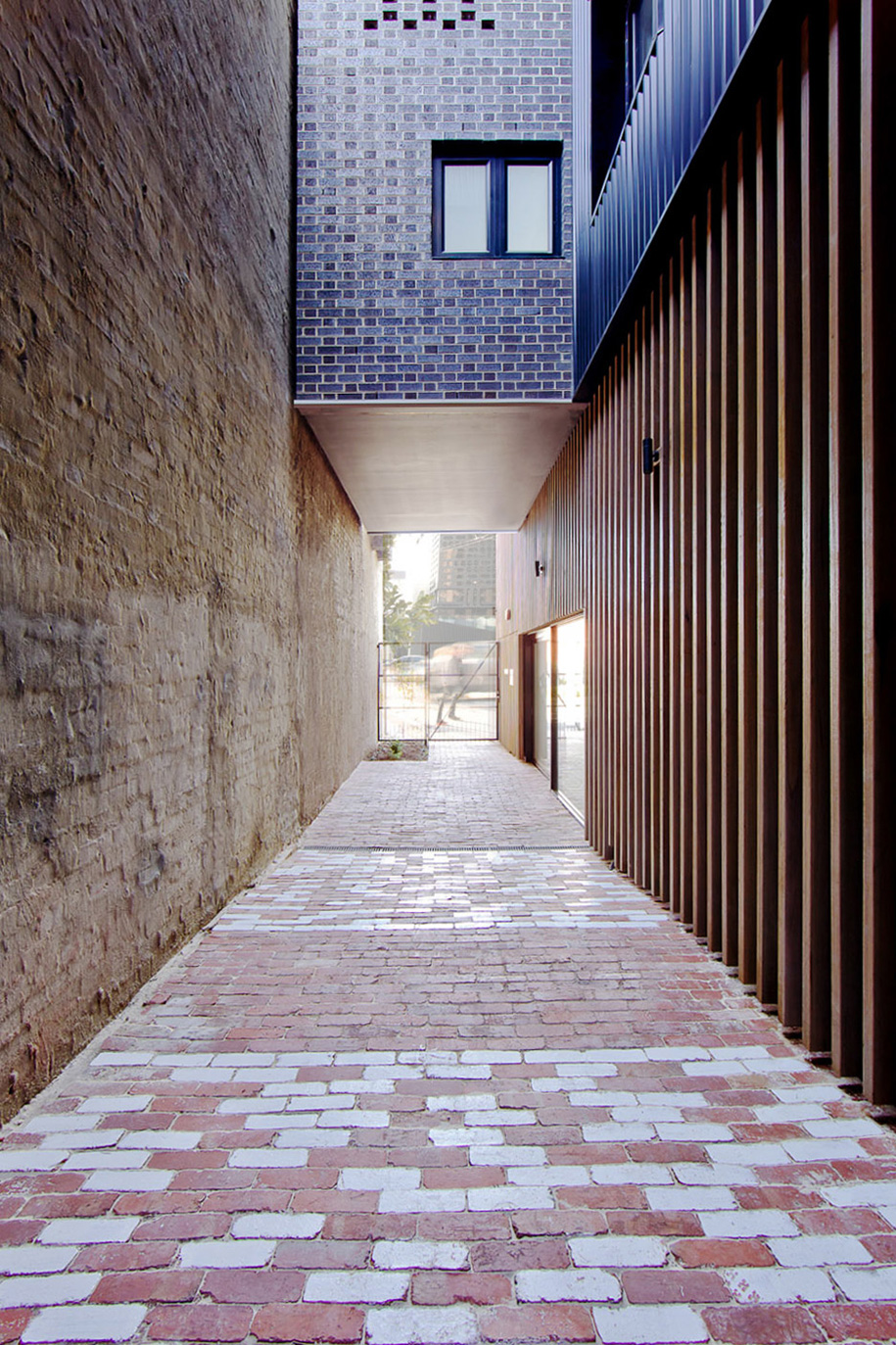 Ari-Apartments_Ola_Studio_residential-block_Melbourne_dezeen_936_5