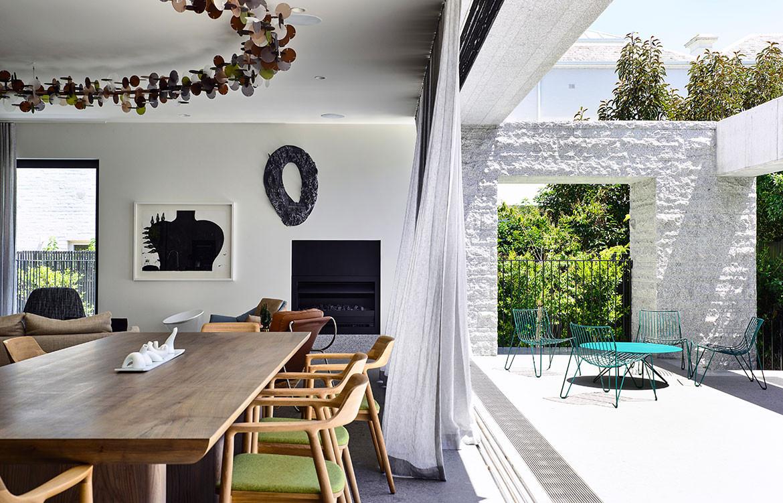 Armadale Residence B.E Architecture cc Derek Swalwell dining