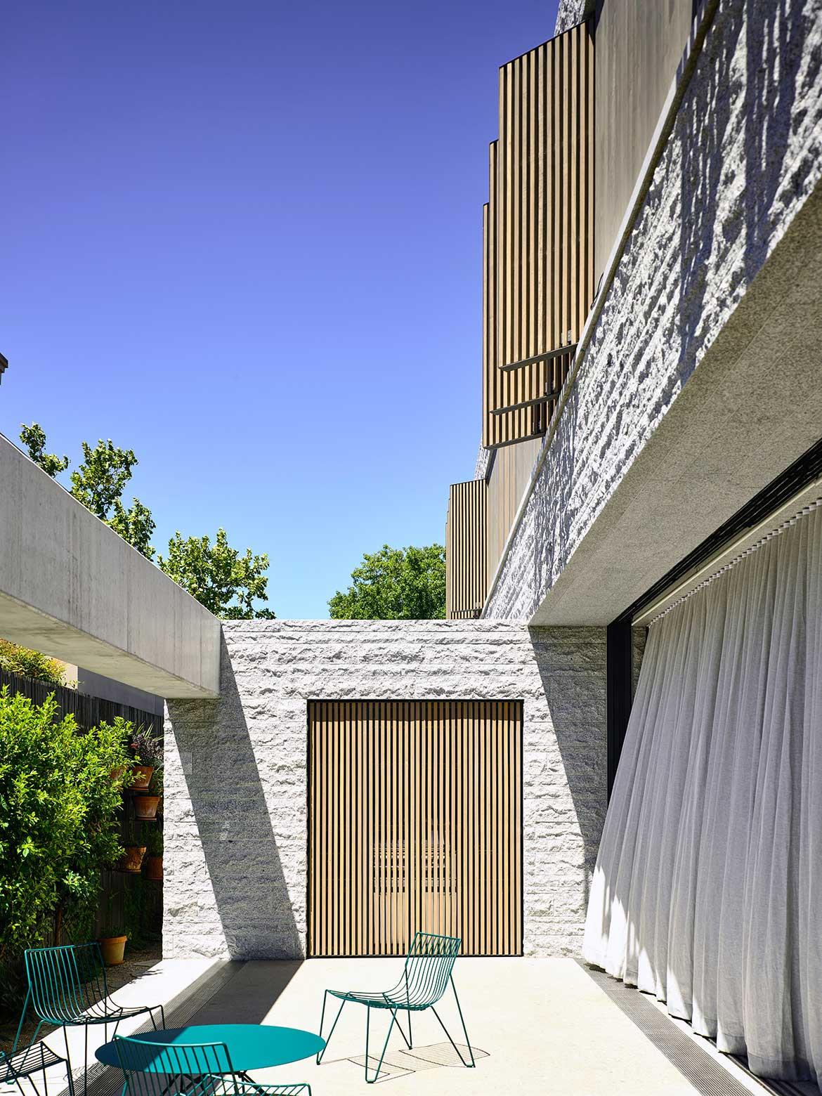 Armadale Residence B.E Architecture cc Derek Swalwell terrace