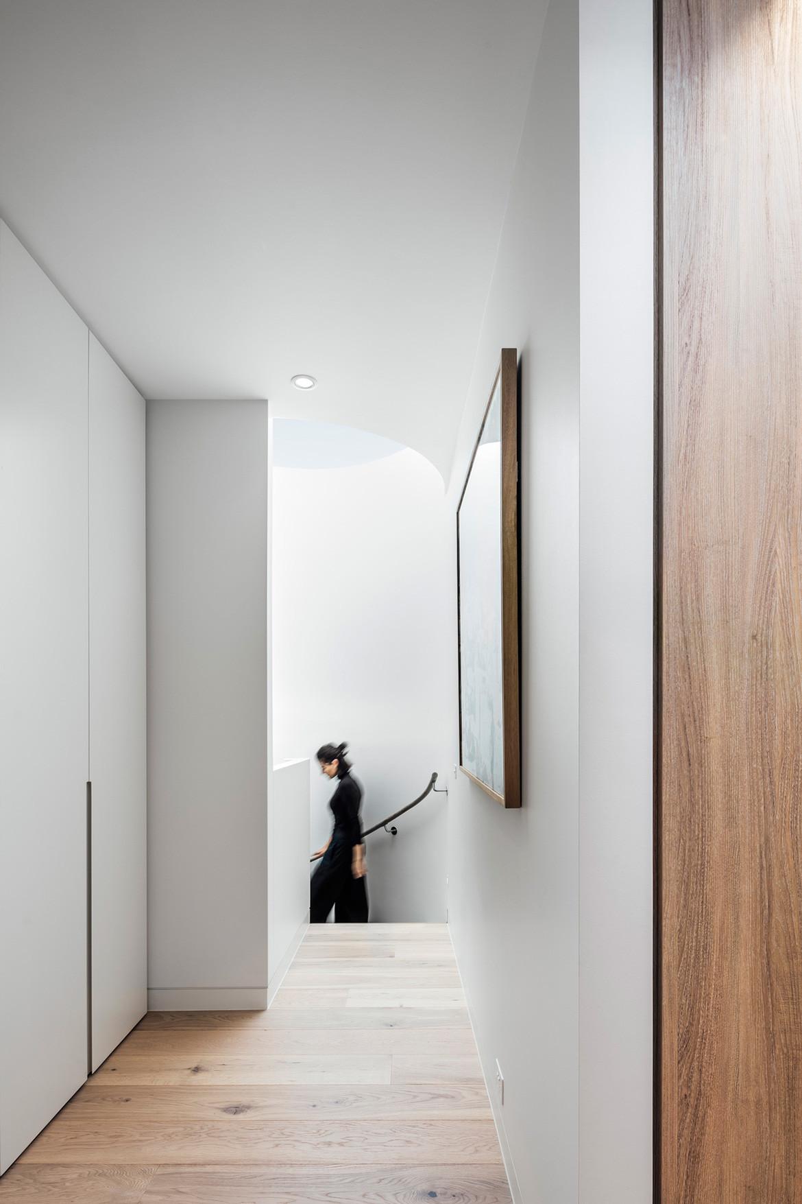 Armadale Residence Pleysier Perkins cc Michael Kai hallway