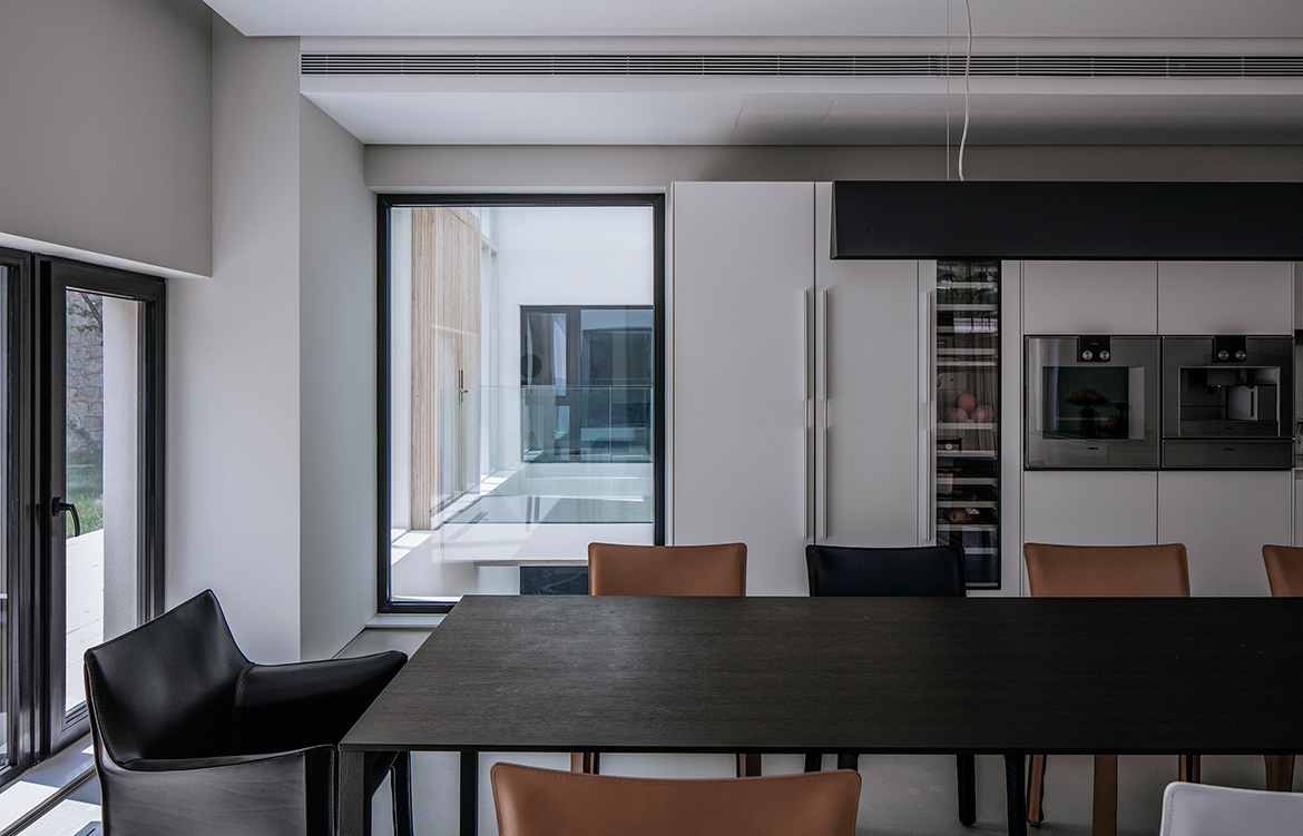 Atelier About Architecture House W casual dining