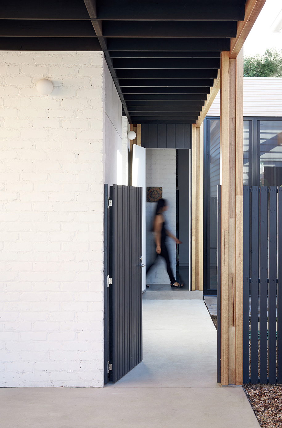Ballantyne Foomann Architects courtyard