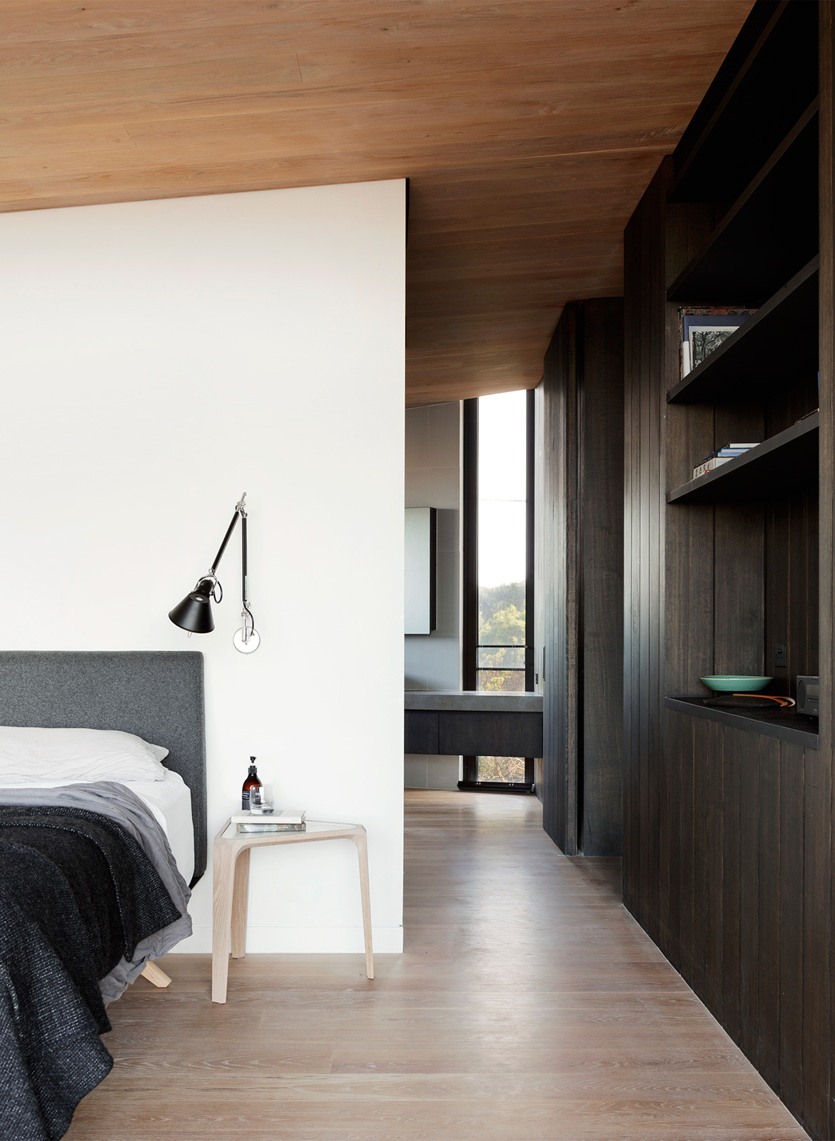 Barwon Heads House Lovell Burton Architecture CC Rory Gardiner bedroom