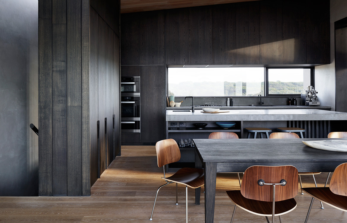 Barwon Heads House Lovell Burton Architecture CC Rory Gardiner dining kitchen