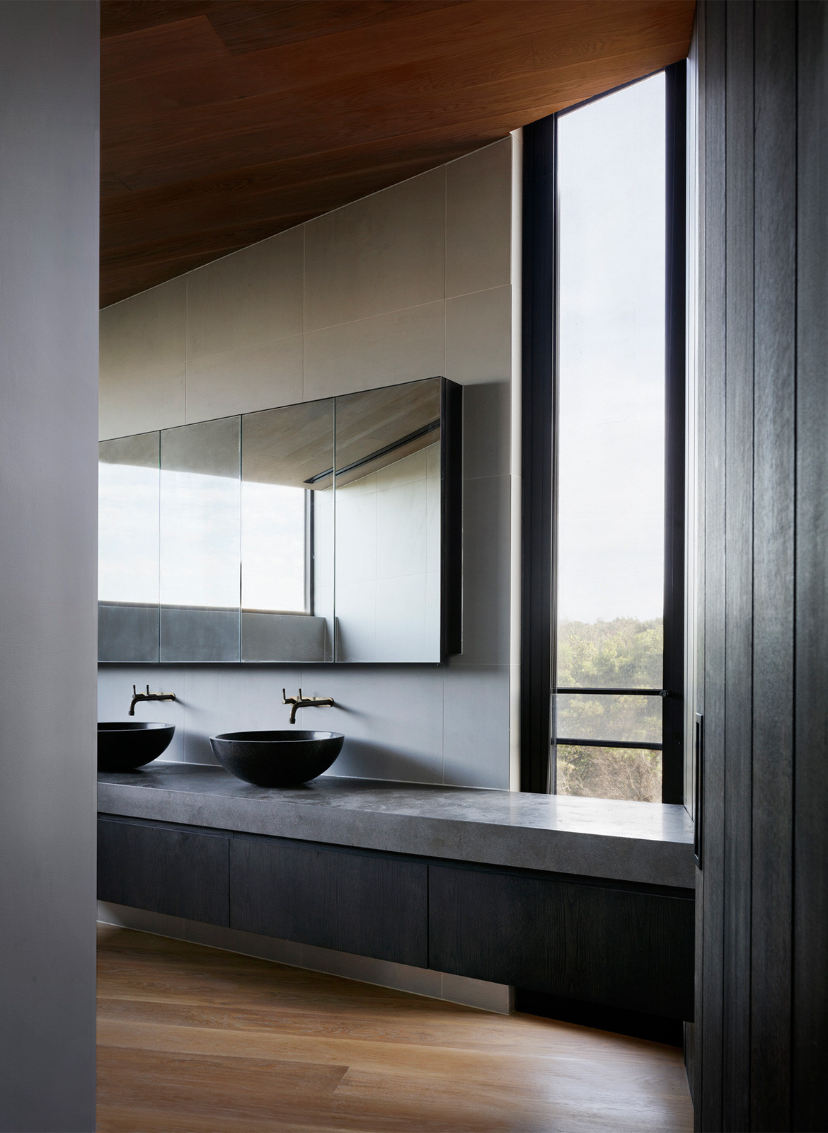 Barwon Heads House Lovell Burton Architecture CC Rory Gardiner sink
