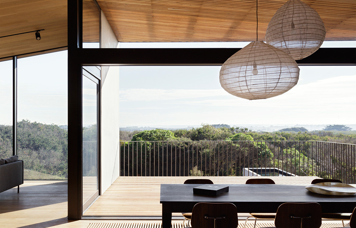 Barwon Heads House Lovell Burton Architecture CC Rory Gardiner open dining