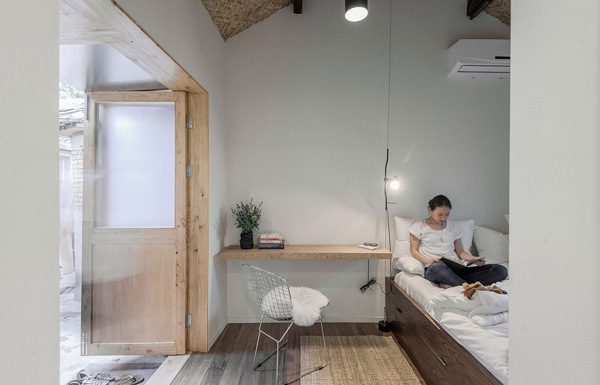 Big Small Coffee Office AIO bnb bed room