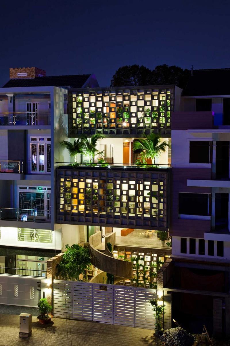 Binh Thanh House NISHIZAWAARCHITECTS exterior