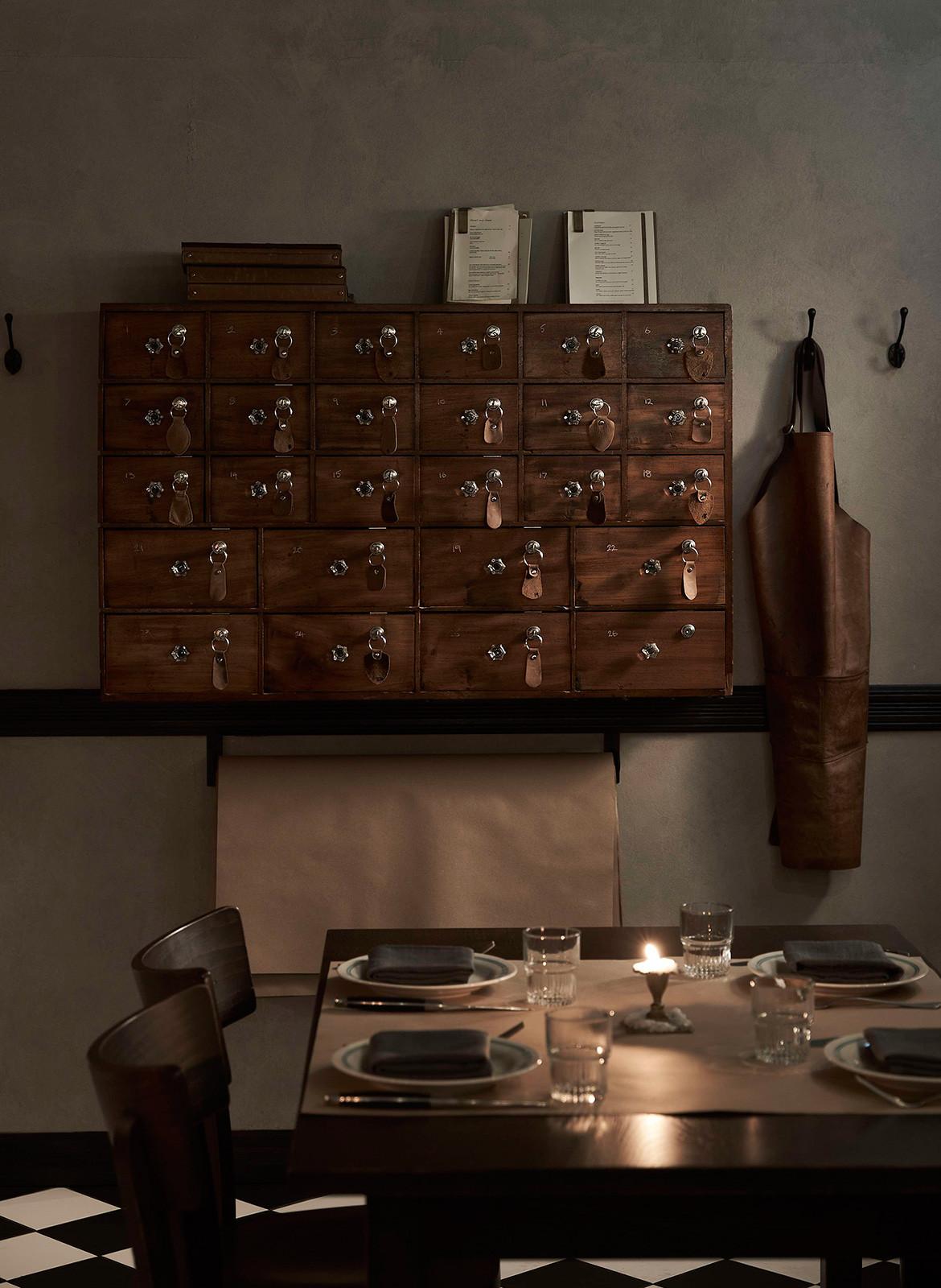 Bistecca Tom Mark Henry Sydney CC Damian Bennett vintage furniture