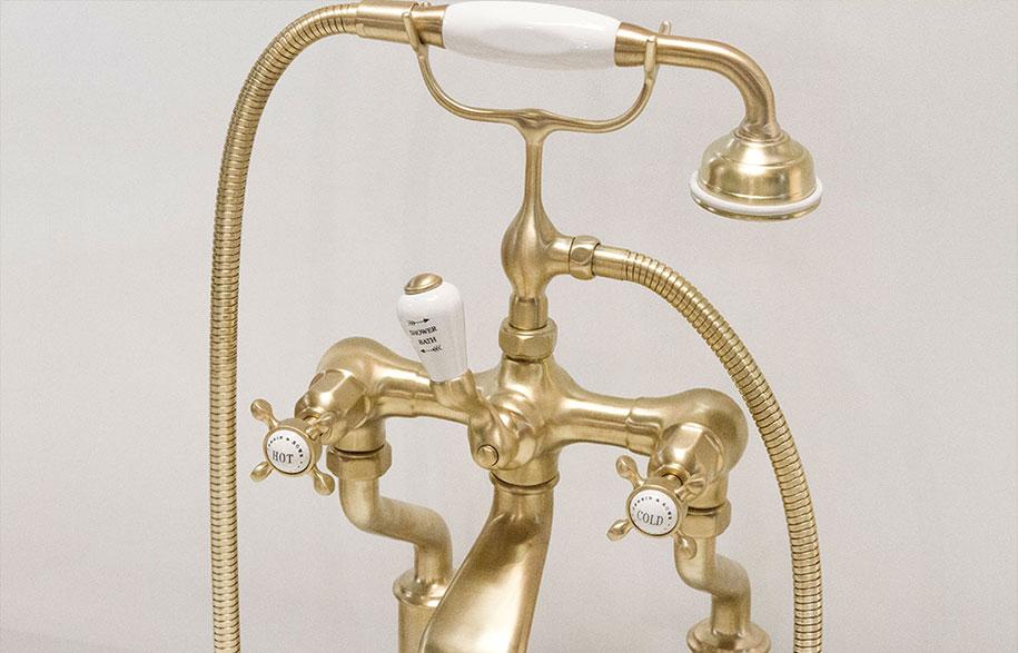 Brass-bath-tap