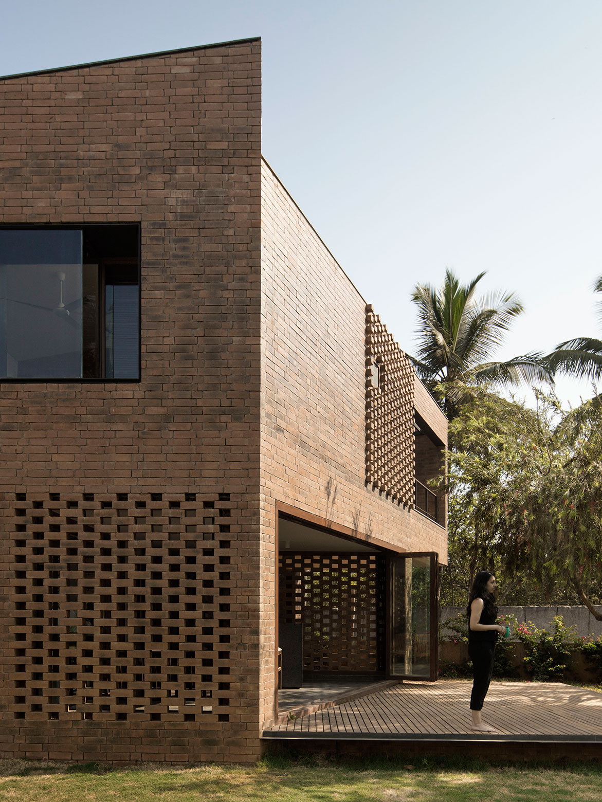 Brick House Collective Project cc Benjamin Hosking exterior