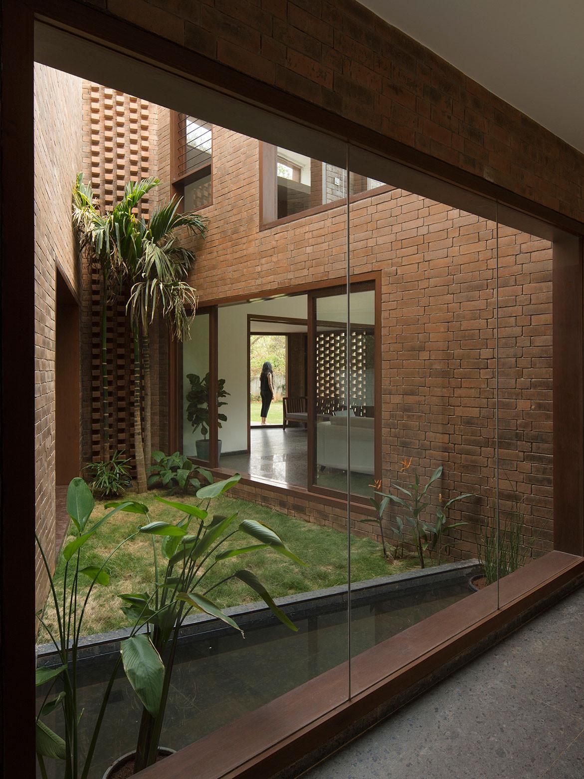 Brick House Collective Project cc Benjamin Hosking indoor-outdoor