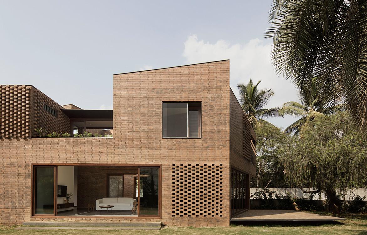 Brick House Collective Project cc Benjamin Hosking outdoor-indoor