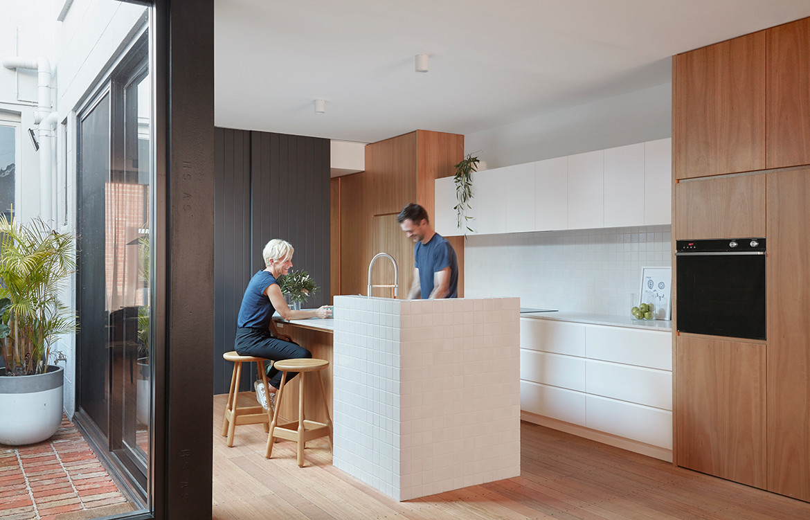 Brick and Gable Terrace House Breathe Architecture CC Tom Ross kitchen bench