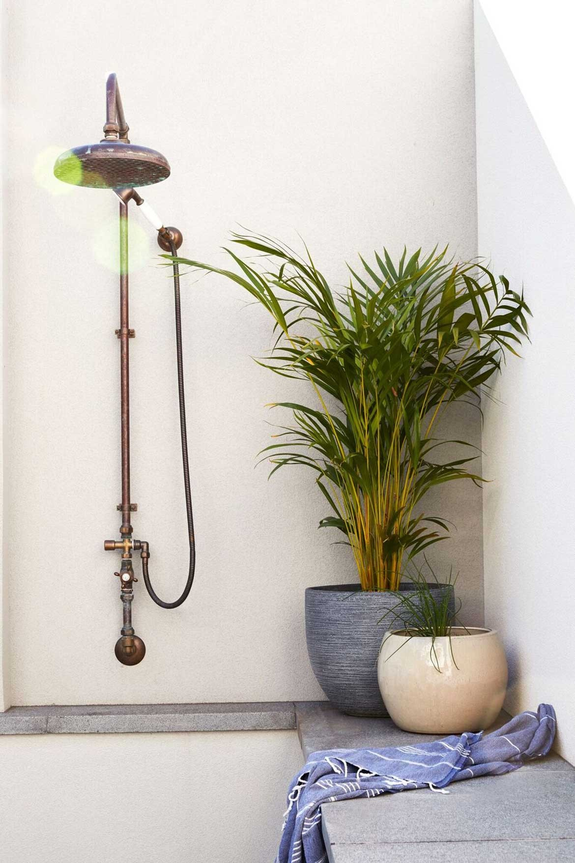 Chindarsi Architects Mount Lawley Photography by Chantel Concei outdoor shower