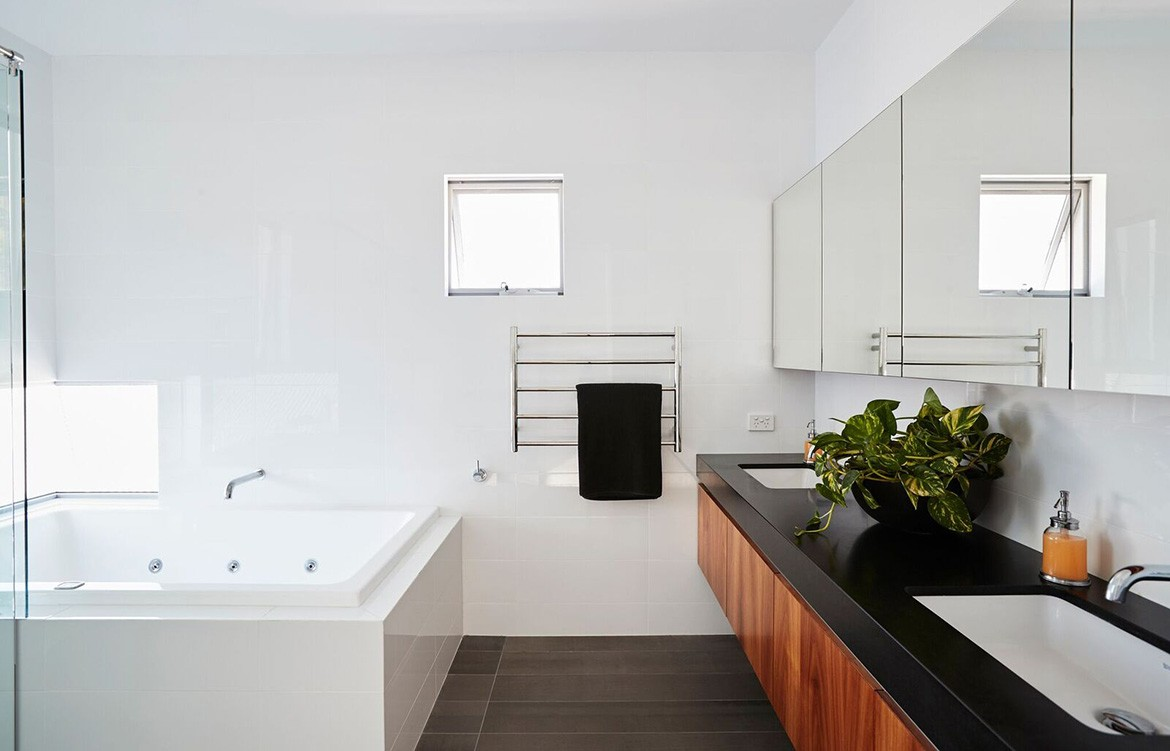 Chindarsi Architects Mount Lawley Photography by Chantel Concei ensuite