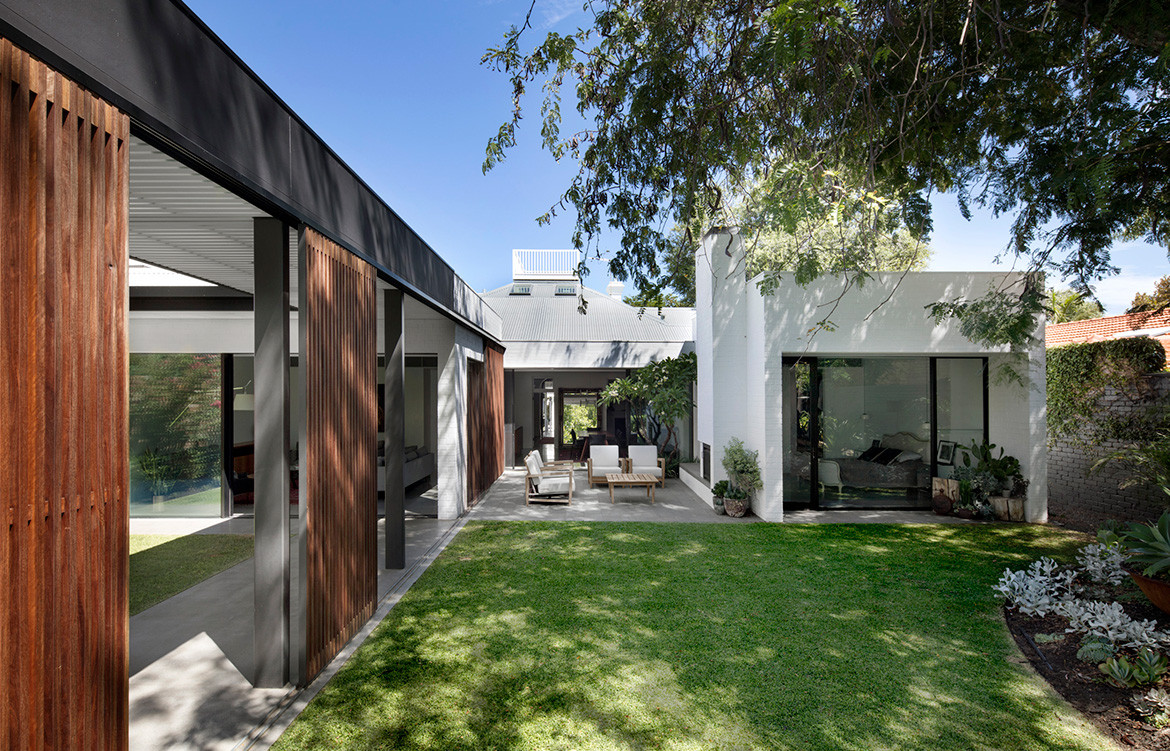 Claremont Residence by David Barr Architects | mid-century inspired home | landscape design | residential architecture