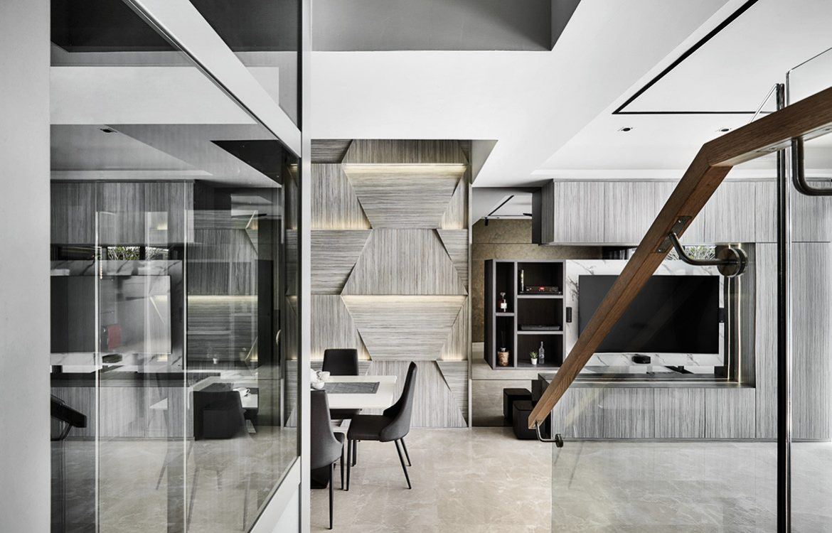 A Sense Of Difference In A Singapore Housing Estate | living / dining room