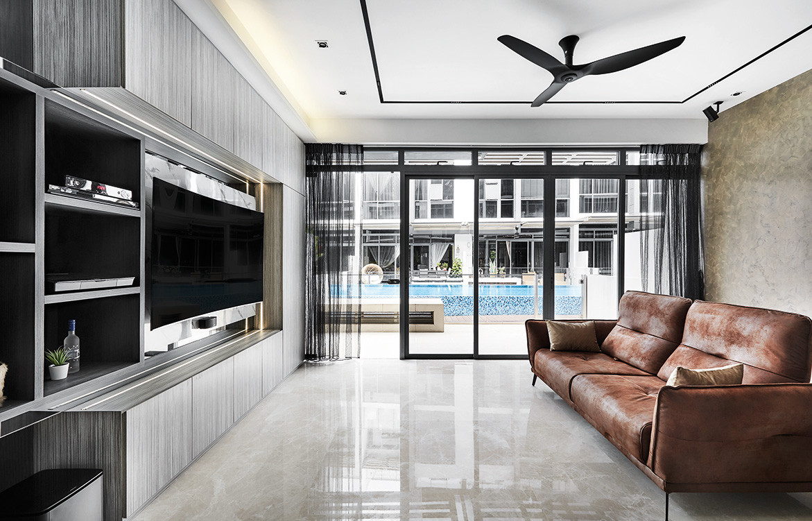 A Sense Of Difference In A Singapore Housing Estate | living room