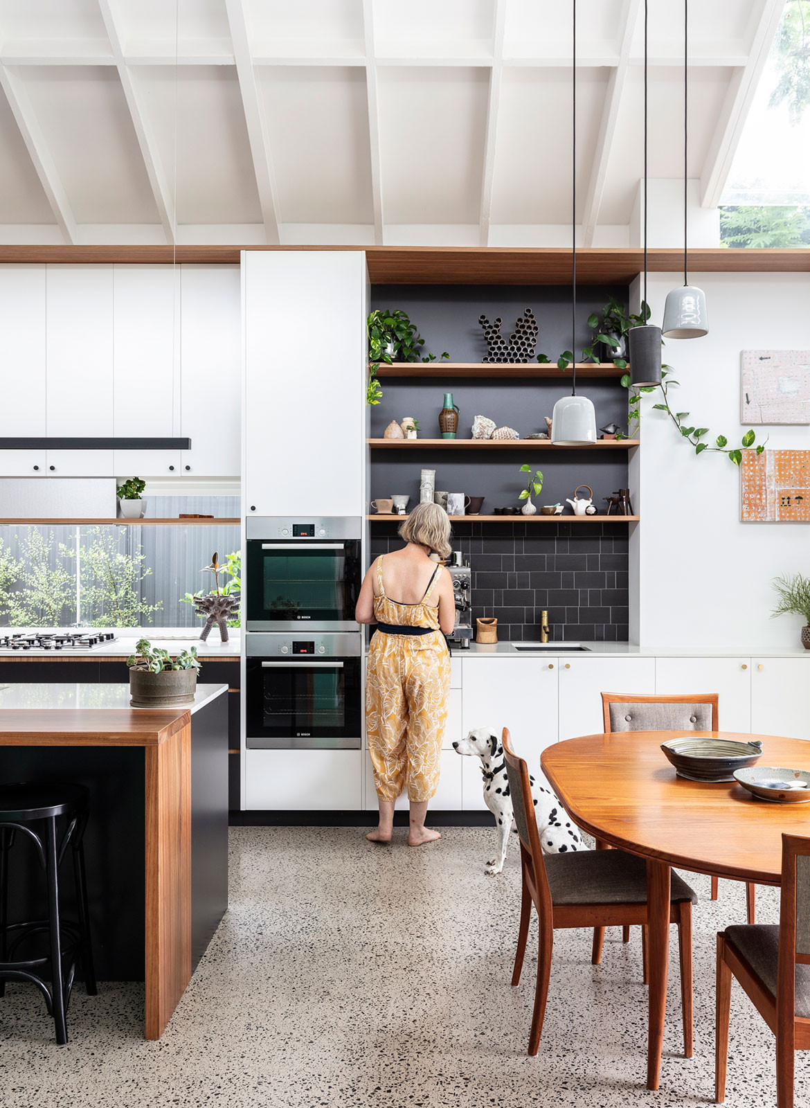 Collectors Cottage Mark Szczerbicki Design Studio CC Tom Ferguson open kitchen and dining