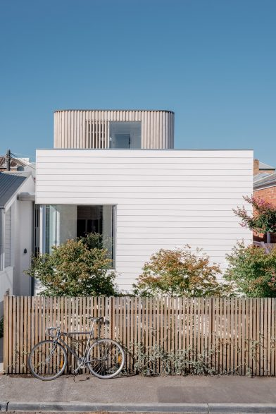 Compact Coastal Home Photography by Paul Hermes exterior 2