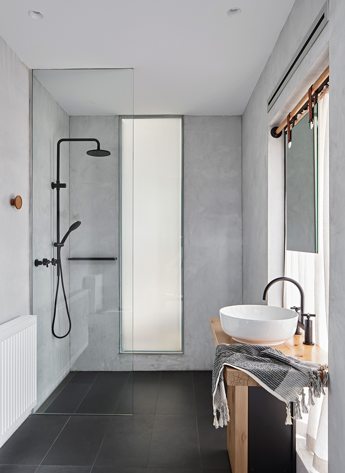 Connect Six Whiting Architects CC Shannon McGrath main bathroom
