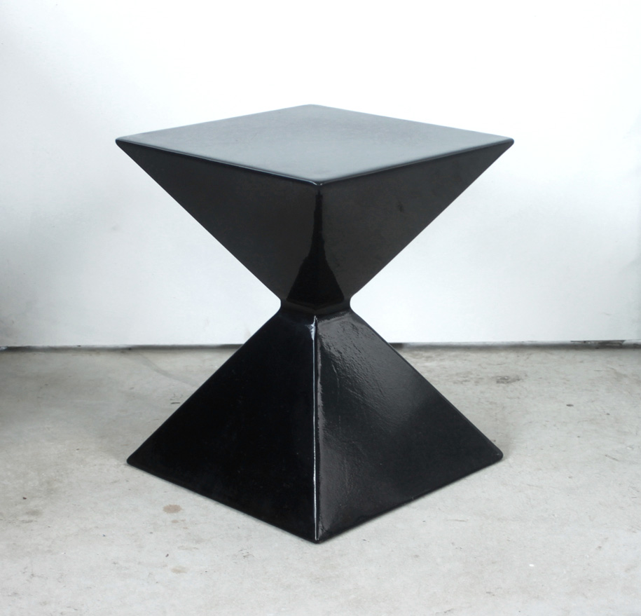 Criteria_Blakebrough-&-King_Kite-Stool_black_01
