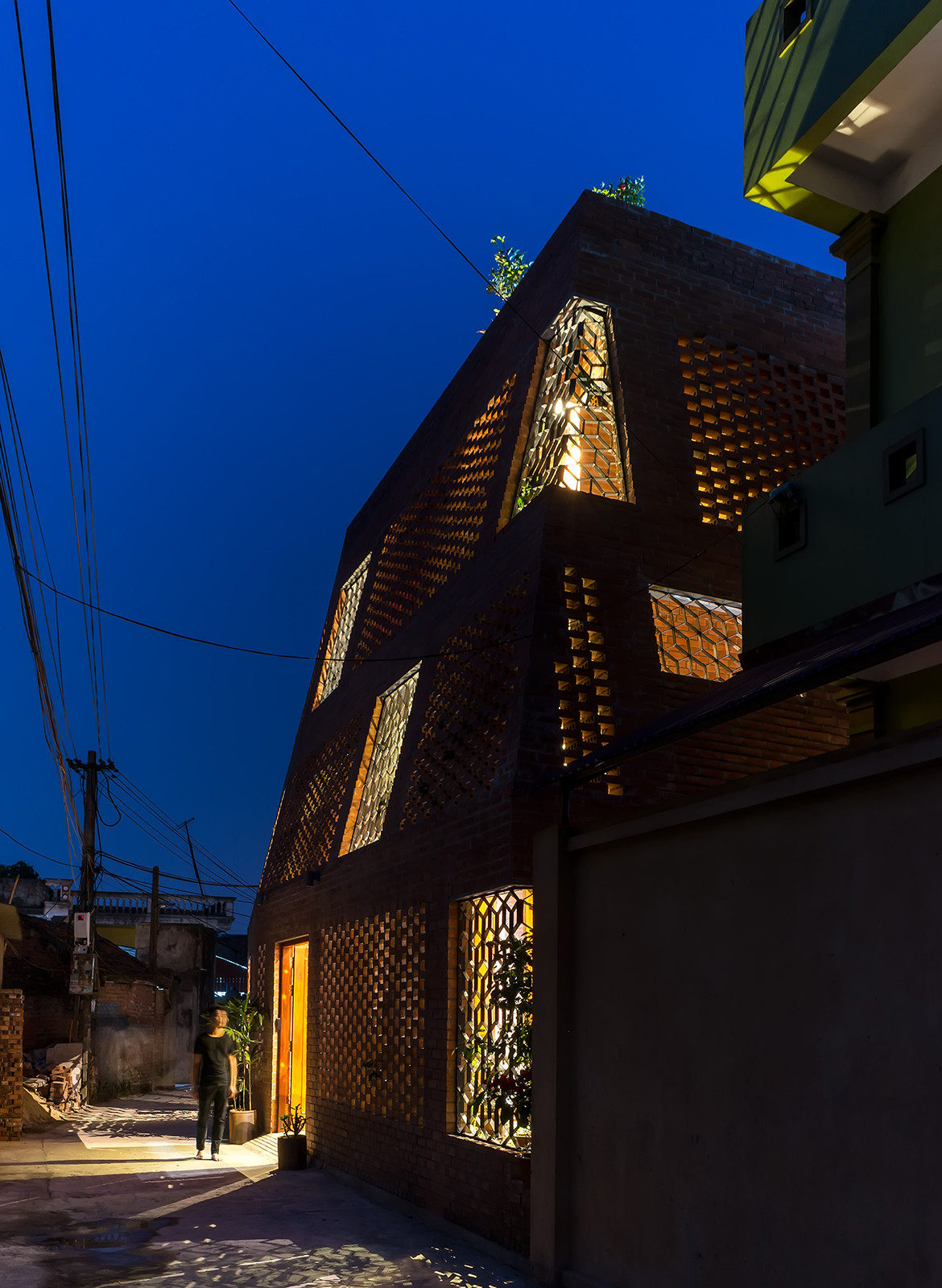 Brick Cave H&P Architects Nguyen Tien Thanh facade night