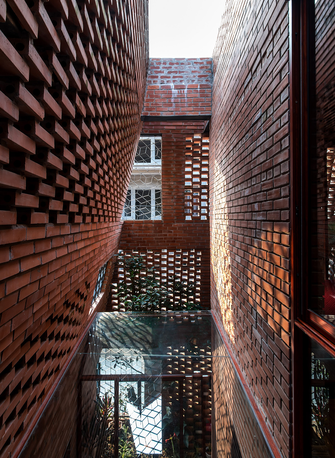 Brick Cave H&P Architects Nguyen Tien Thanh natural light