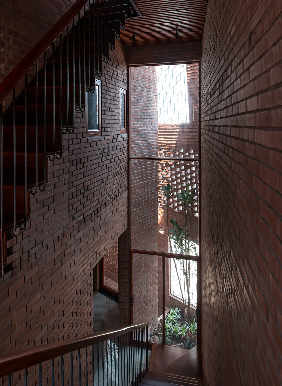 Brick Cave H&P Architects Nguyen Tien Thanh void