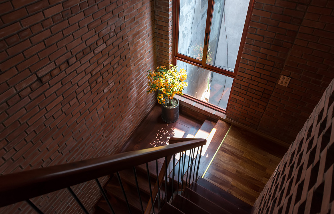Brick Cave H&P Architects Nguyen Tien Thanh stairs