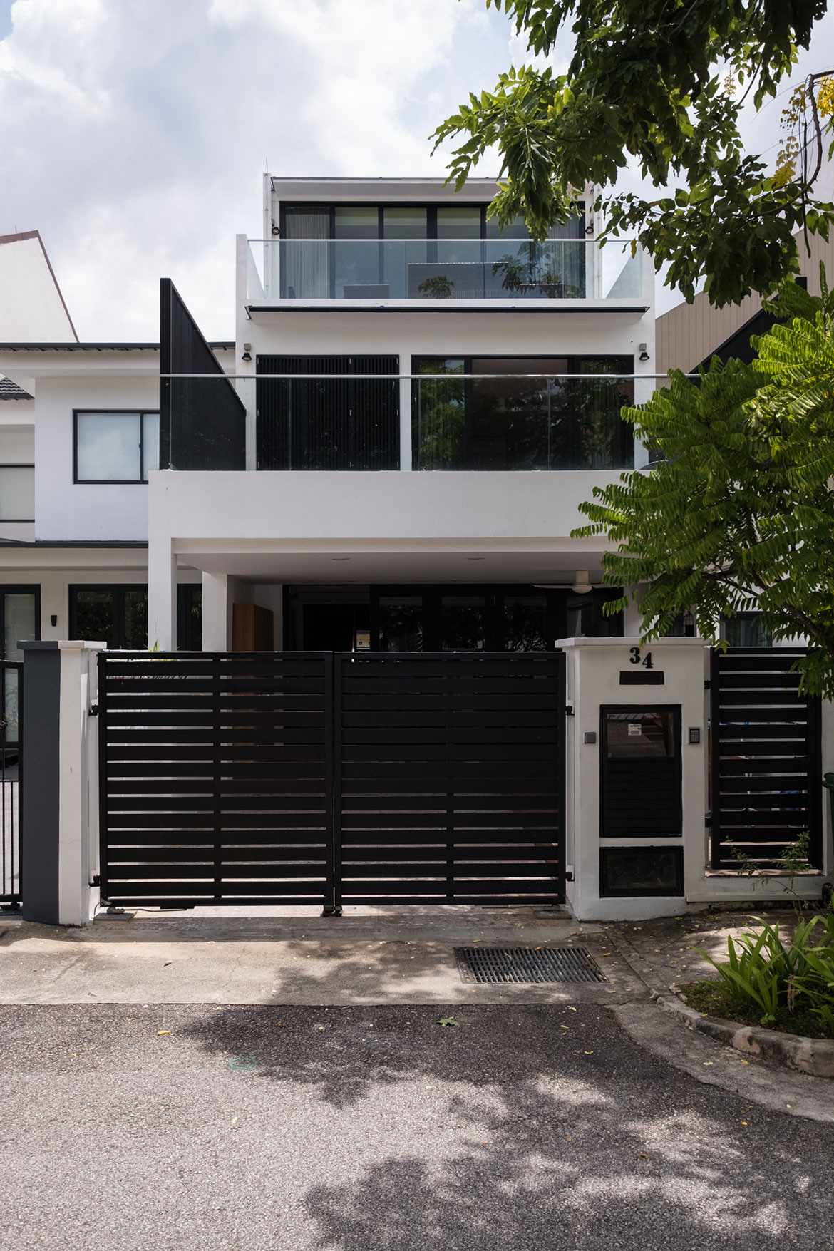 Produce Singapore family home entrance gate