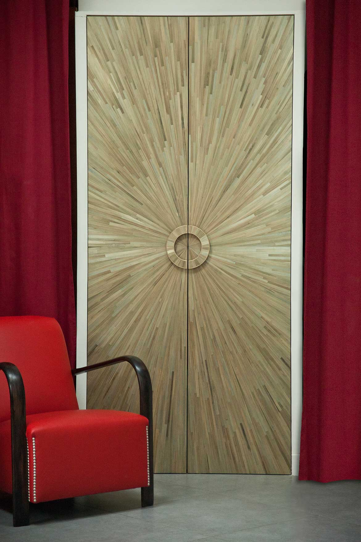 Design Hunters door