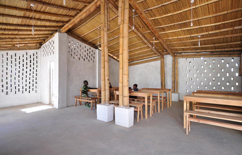 Dezeen Awards 2018 Winner small building okana centre