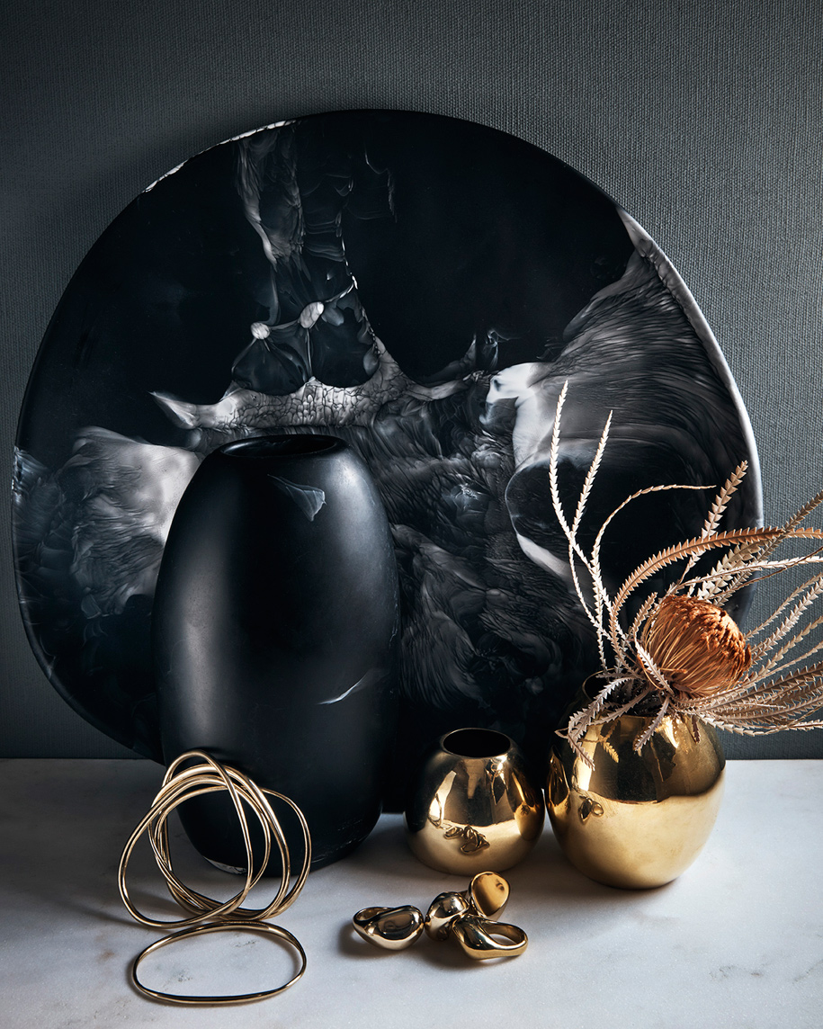 Dinosaur_Designs_Black_Marble_Hugh_Stewart_Homewares_Jewellery_Black_Brass